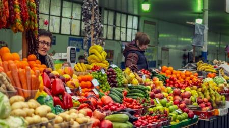 Падающая гривна привела к закрытию половины мест на рынках Хмельницкого