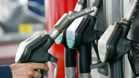 КорреспонденТ: Существенного падения цены на бензин ожидать не стоит