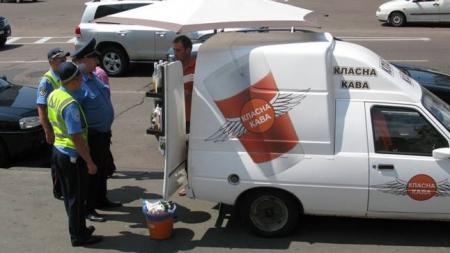 Киевсовет разрешил демонтаж автокофеен