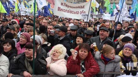 17 червня о 13:00 під стінами Верховної Ради відбудеться Всеукраїнська чергова акція підприємців проти запровадження РРО: «Азаров аплодує стоячи»
