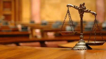 Админсуд окончательно признал незаконными и обязал правительство отменить решения о переводе бюджетников в госбанки