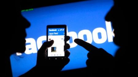 Facebook позволит брендам встраивать GIF-изображения в свои посты
