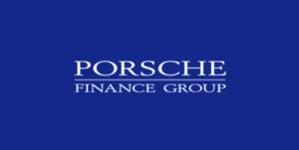 Porsche Finance Group передала Обществу Красного Креста Украины 120 000 грн на помощь семьям переселенцев