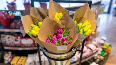 Живые цветы на «ОККО» – новый сервис для современных киевлян