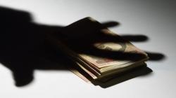 Министерство социальной политики подготовило законопроект, нормы которого позволяют частично легализовать теневой сектор зарплаты