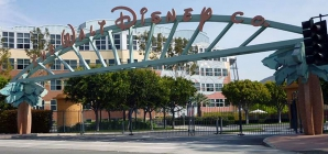Walt Disney претендует на покупку Twitter
