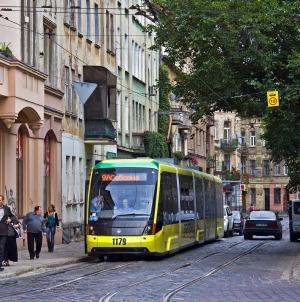 ПриватБанк запускает пилотный проект электронных билетов в городском транспорте