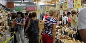 В марте потребительские настроения украинцев немного ухудшились – GfK