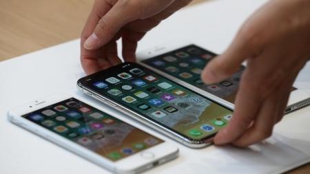 Смартфон за 38 000 грн: стали известны цены на iPhone 8 и iPhone X в Украине