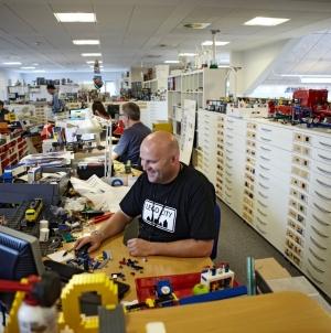 Lego сообщила о перезагрузке бизнеса после первого за 13 лет падения выручки