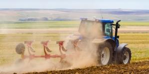 ПриватБанк допоможе аграріям економити чверть вартості агротехніки