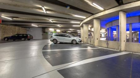 У Дніпрі запрацював сервіс безконтактної оплати паркування смартфонами