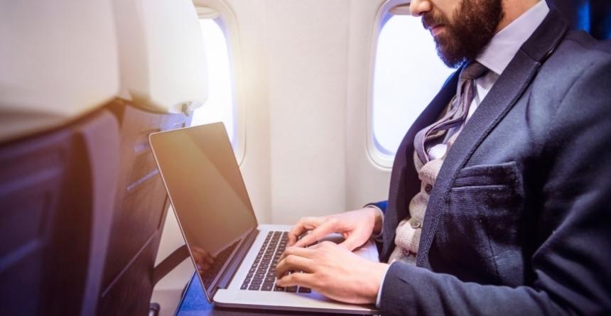 Google хочет купить часть бизнеса Nokia, чтоб установить скоростной Wi-Fi в самолетах