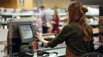 Лишь треть магазинов продают технику и электронику через кассовый аппарат