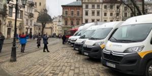 Укрпочта обновит автопарк в лизинг от ПриватБанка