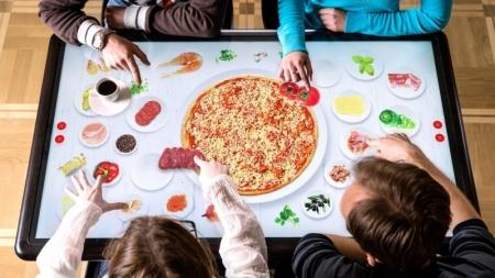 В киевских ТРЦ и ресторанах появятся украинские интерактивные столы Kodisoft