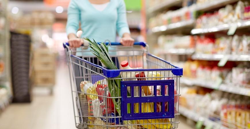 Аналитика Nielsen: украинцы тратят больше, но стали придирчивыми к товарам и брендам