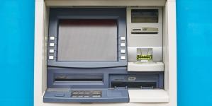 ПриватБанк почав видавати споживчі кредити через банкомати
