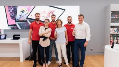 В Днепре открылся магазин Apple с секцией экспертов