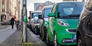 BMW и Porsche создали устройство для зарядки электрокаров за три минуты