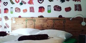 В Германии открыли «колбасный» отель. Вегетарианцы не одобряют