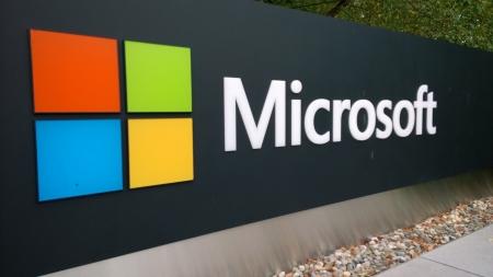 Microsoft временно стала самой дорогой в мире компанией с капитализацией более $1 трлн