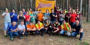 AB InBev Efes Украина организовала уборку мусора на побережье Южного Буга