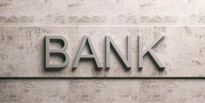 В умовах воєнного стану розрахунки лише через визначені уповноважені банки