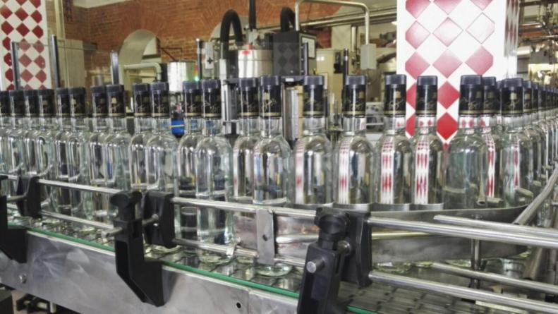 """Половина украинского алкоголя находится """"в тени"""""""