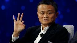 Миллиардер Джек Ма оставил пост главы Alibaba. Он хочет снова преподавать