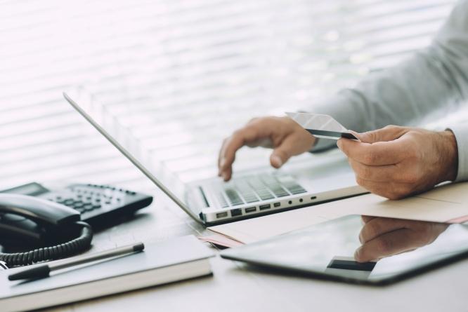 Дистанційний продаж – тільки через електронні платіжні засоби не менш як трьох платіжних систем