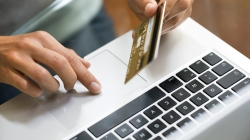 """За перший """"карантинний"""" тиждень українці стали на 37% частіше оплачувати покупки картками – ПриватБанк"""